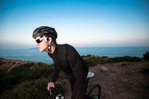 aftershokz sportz titanium cycling